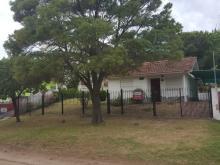 Chalet Chalet en Av. 2 entre Paseos 144 y 143 en Villa Gesell, zona Sur